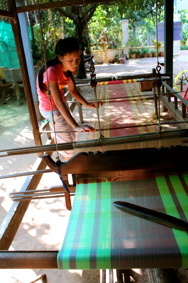 Silk looms on Koh Dach