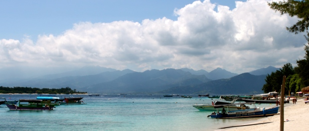 From Gili T you can see Gili Meno to the left and Lombok mountains in the distance