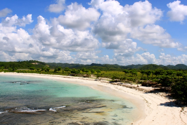 Tanjung Aan beach - the white sand side