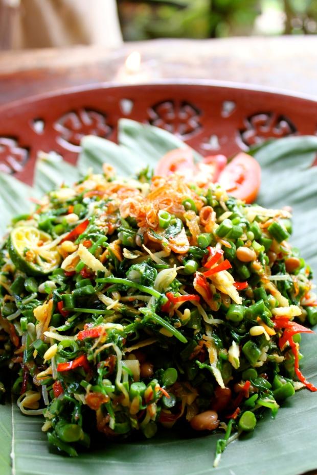 Jukut Urab (Balinese mixed vegetable salad)