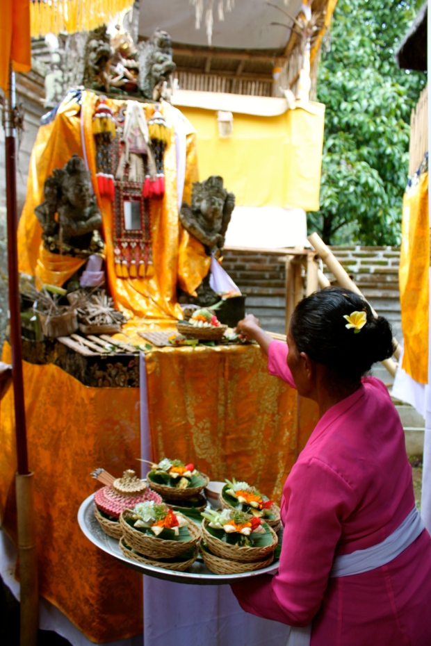 Offering food to the Gods before we eat lunch in Ubud