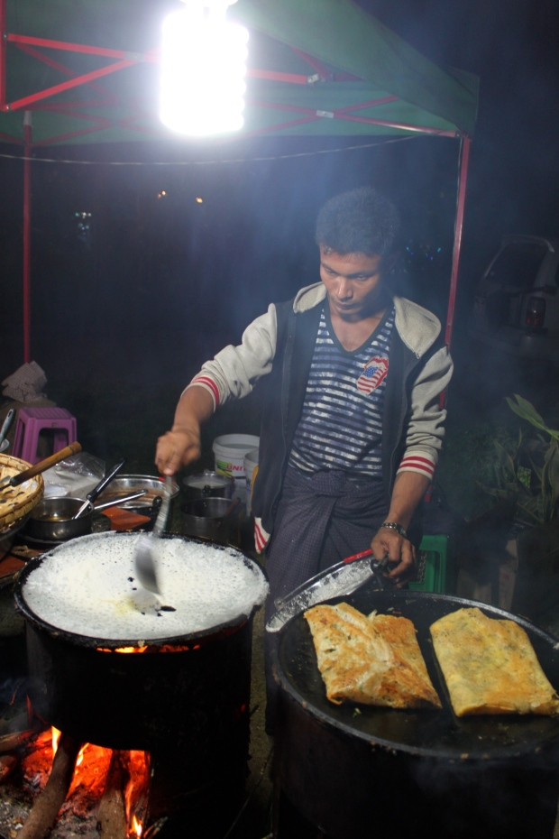 Dosa stall at the Bagan night market