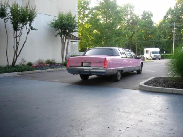 Outside the Heartbreak Hotel in Memphis